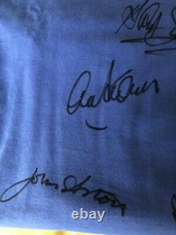 Boxed Multi Signed Manchester United Shirt 1968 European Cup Winners