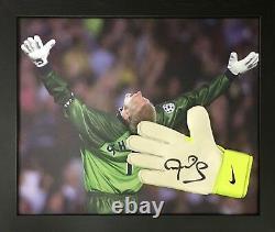 Framed Peter Schmeichel Manchester United Signed Nike Goalkeeper Glove & Proof