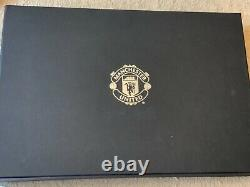MANCHESTER UNITED Shirt SIGNED by Members of the Squad Aut 18 Boxed & COA