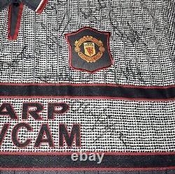 Manchester United 1995-1996 Squad Signed Shirt Inc. Ferguson, Beckham, Giggs