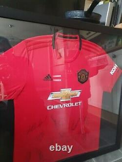 Manchester United Hand Signed Home Squad Shirt 2019/20 COA inc Fernandez