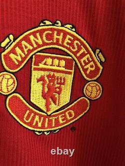 Manchester United Home Shirt Treble 1998/99 Solskjaer Signed Long Sleeves XL