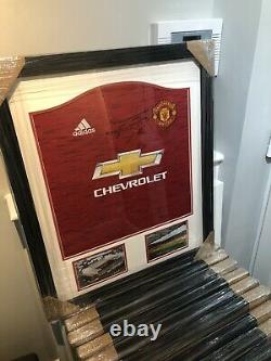 Manchester United Signed And Framed Cavani Shirt