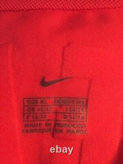 Original worn v. Nistelrooy signed football shirt