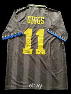 Ryan Giggs Signed 1993/1995 Manchester United Shirt Proof