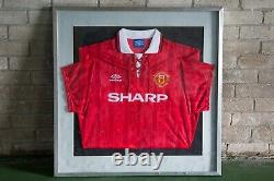 Signed Eric Cantona (Excellent), 1992-94 Manchester United, Iconic Home shirt