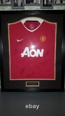 Signed & Framed Manchester Man United Shirt Premier League Winners 2010/11