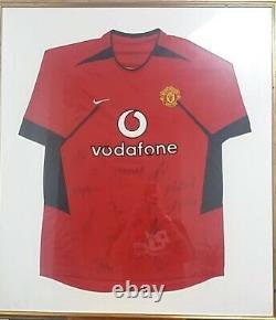 Signed Manchester United Squad Football Shirt Framed Memorabilia RONALDO ETC