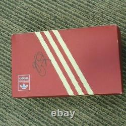 Signed box Manchester United Barcelona 99 trainers Ole Solskjaer size 7.5
